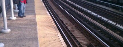 MTA Subway - 174th St (2/5) is one of Tempat yang Disimpan Jon.