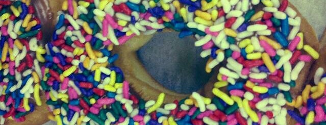 Royal Donut is one of Lugares guardados de Colleen.