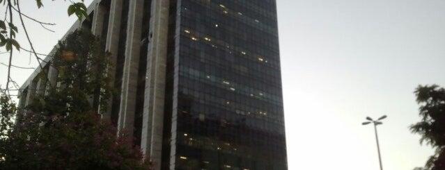 Prefeitura do Rio de Janeiro is one of Carlos : понравившиеся места.