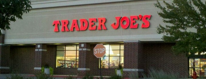Trader Joe's is one of Locais curtidos por Nick.