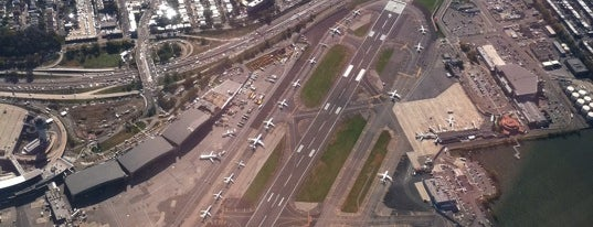 Flughafen LaGuardia (LGA) is one of Airports around the World.