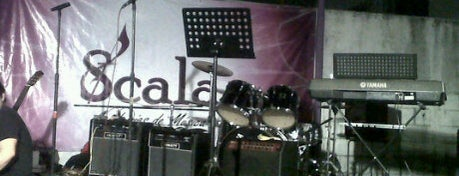 Scala: Academias de música is one of Posti che sono piaciuti a Mauricio.