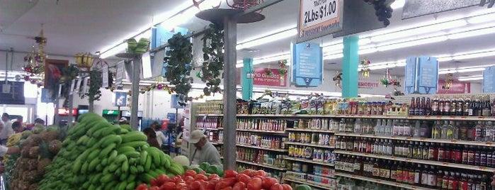 Presidente Supermarket is one of Liz : понравившиеся места.