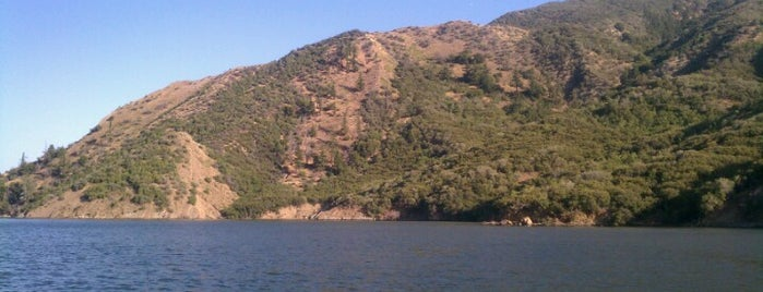 Pyramid Lake is one of Out of town favs.