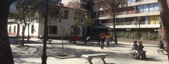 Plaza Freire is one of Lugares, plazas y barrios de Santiago de Chile.