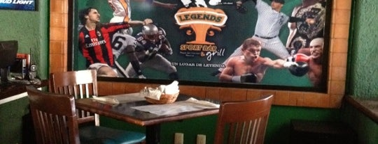 Legends Sports Bar & Grill is one of Lieux qui ont plu à Ricardo.
