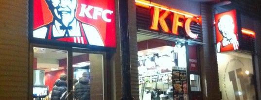 KFC is one of Tempat yang Disukai Winnie.