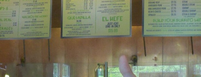 Bubbakoo's Burritos is one of Lugares guardados de Lizzie.