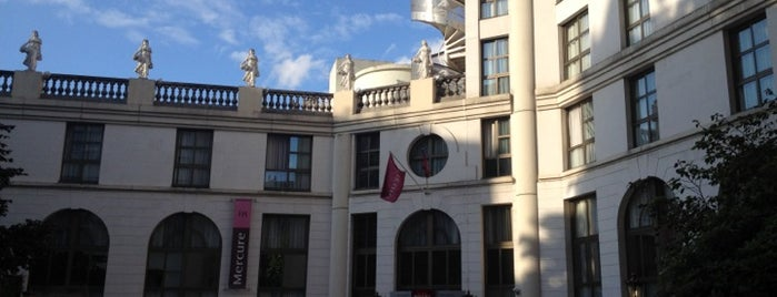 Mercure Paris Gobelins is one of Lieux qui ont plu à Paulo.