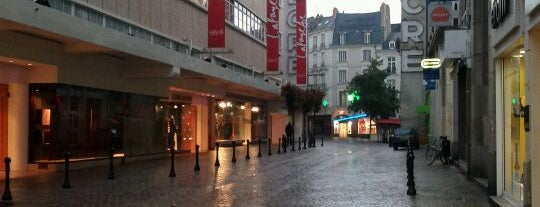 Galeries Lafayette is one of Favourite European Places.