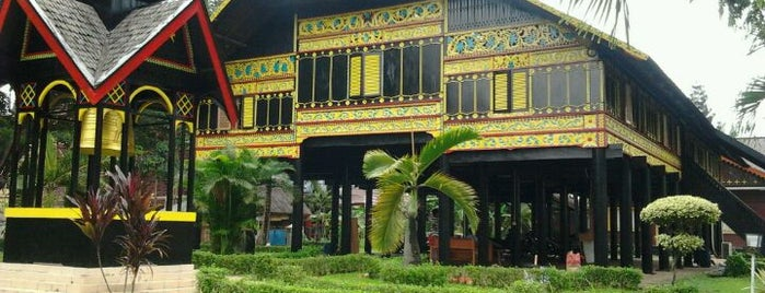 Anjungan Nanggroe Aceh Darussalam is one of Arieさんのお気に入りスポット.