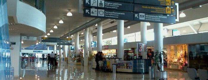 Aeroporto de Londrina / Governador José Richa (LDB) is one of Aeroportos.