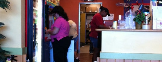 Taco Del Mar is one of Places With Mostly Bad Reviews.
