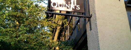 Quinn's Pub is one of Lugares guardados de Tabitha.