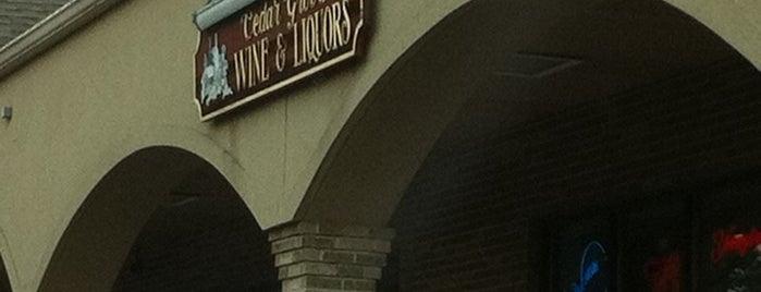 Cedar Grove Wine & Liquors is one of สถานที่ที่ Saleem ถูกใจ.
