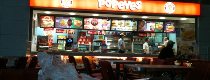 Popeyes Louisiana Kitchen is one of Lieux qui ont plu à F@RUK.