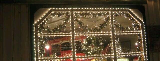 Overlys Christmas Lights.Overly S Christmas Village