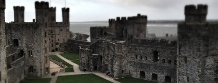 Castillo de Caernarfon is one of Po stopách Karla Čapka v Anglii.