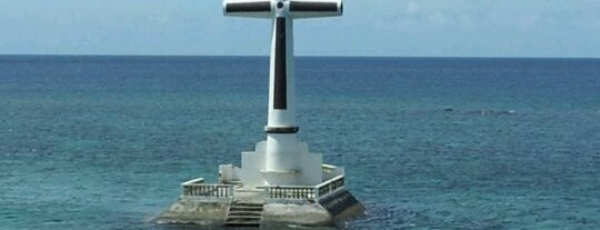Sunken Cemetery Cross is one of Tempat yang Disukai Angelika.