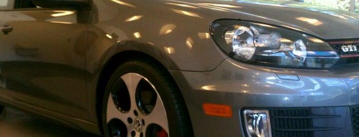 Bayside VW Parts & Service is one of Bradford 님이 좋아한 장소.