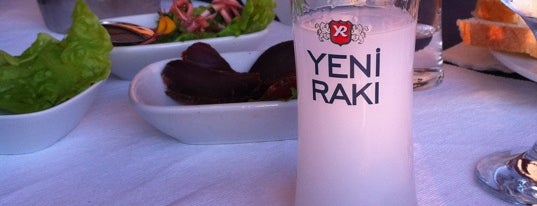 Yakamoz Otel & Restaurant is one of yenilesii.