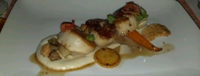 LM Restaurant is one of Locais salvos de Bill.