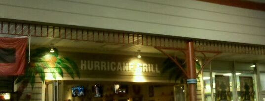 Hurricane Grill & Wings is one of Lugares favoritos de Andrew.
