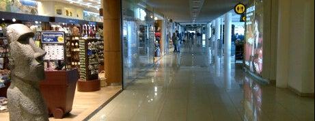 Aeropuerto Internacional Comodoro Arturo Merino Benítez (SCL) is one of Dicas de Santiago..