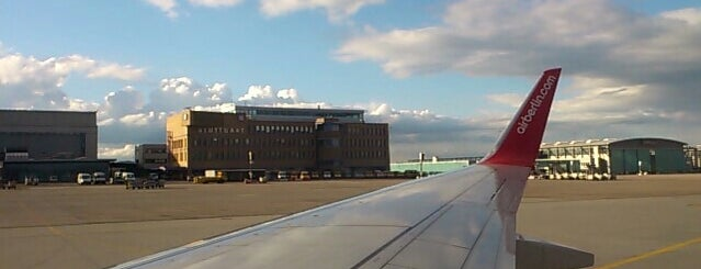 Taxiway is one of AIRPORT 1.