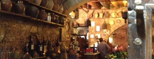 Bodega La Tinaja is one of Barcelona bucket list.