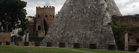 Piramide Cestia is one of Rome (Roma).