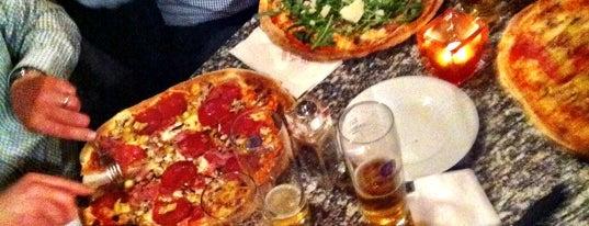 L'Angolo della Pizza is one of München together.