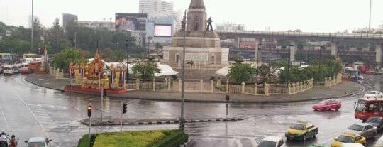 Victory Monument is one of Around Bangkok | ตะลอนทัวร์รอบกรุงฯ.