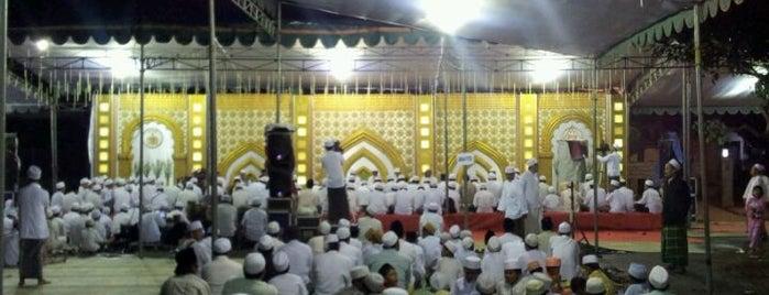 Lapangan Flores is one of Characteristic of Surabaya.