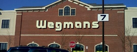 Wegmans is one of Lieux qui ont plu à Tanya.
