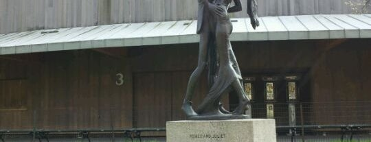 Romeo and Juliet Statue is one of Manhattan NY.
