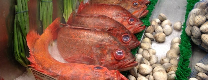 El Pescador Fish Market is one of La Jolla-San Diego Weekend Dining List.