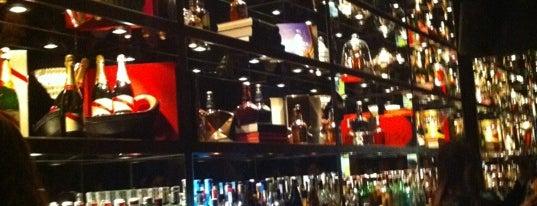 Bar Castellana 8 is one of SITIOS PARA HACER AMIGOS/AS.