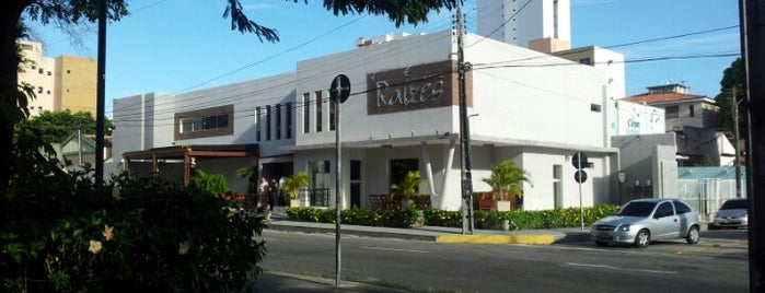 Restaurante Raízes is one of Bar.