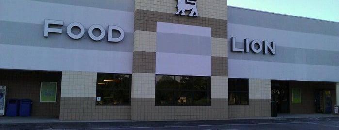 Food Lion Grocery Store is one of สถานที่ที่ Christine ถูกใจ.