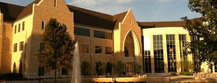 Anderson Student Center is one of Kristen'in Beğendiği Mekanlar.