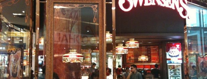 Swensen's is one of Lieux qui ont plu à WuWu.