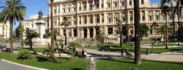 Piazza Cavour is one of Tempat yang Disukai Julia.