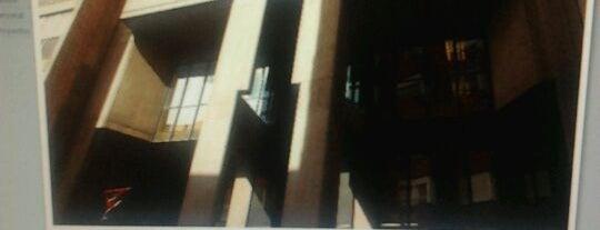 Biblioteca Pública is one of POL_VA.