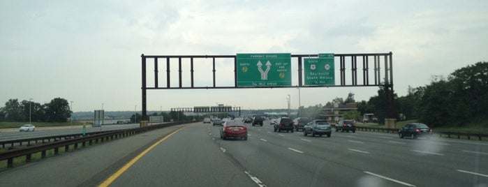 Governor Alfred E. Driscoll Bridge is one of New Jersey highways and crossings.