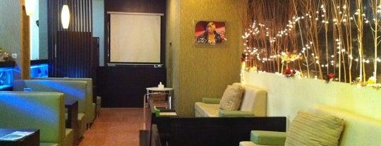 Lime Light Family Karaoke & Cafe is one of Locais salvos de Devi.