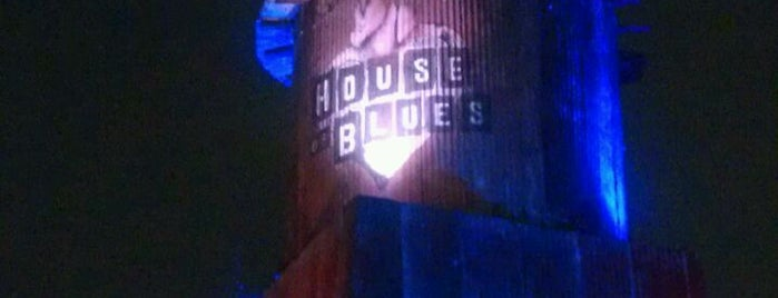 House of Blues Sunset Strip is one of Famous Musicians Restaurants.