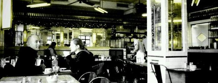 Schiller's Liquor Bar is one of EVLESBAR.