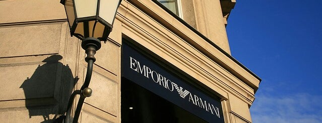 Emporio Armani Store is one of Lieux approuvés.