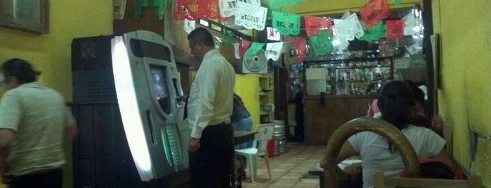 Restaurant Bar Los Jarritos is one of Para beber(Bares, Cantinas y Pulquerias)....